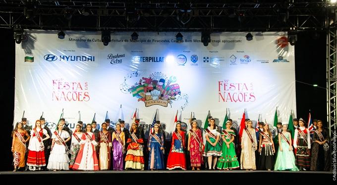 Rainhas da Festa das Nações se apresentaram na abertura