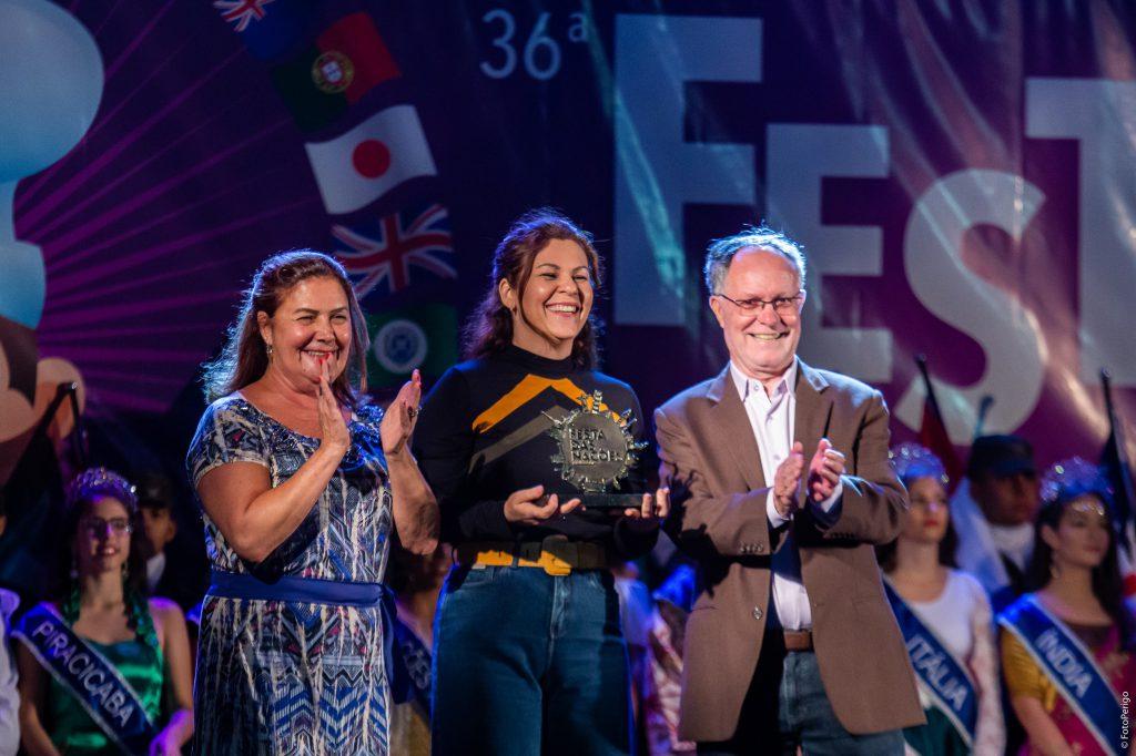 Sandra Negri, Andréa Park, da Caterpillar, e o prefeito Barjas Negri (FotoPerigo)