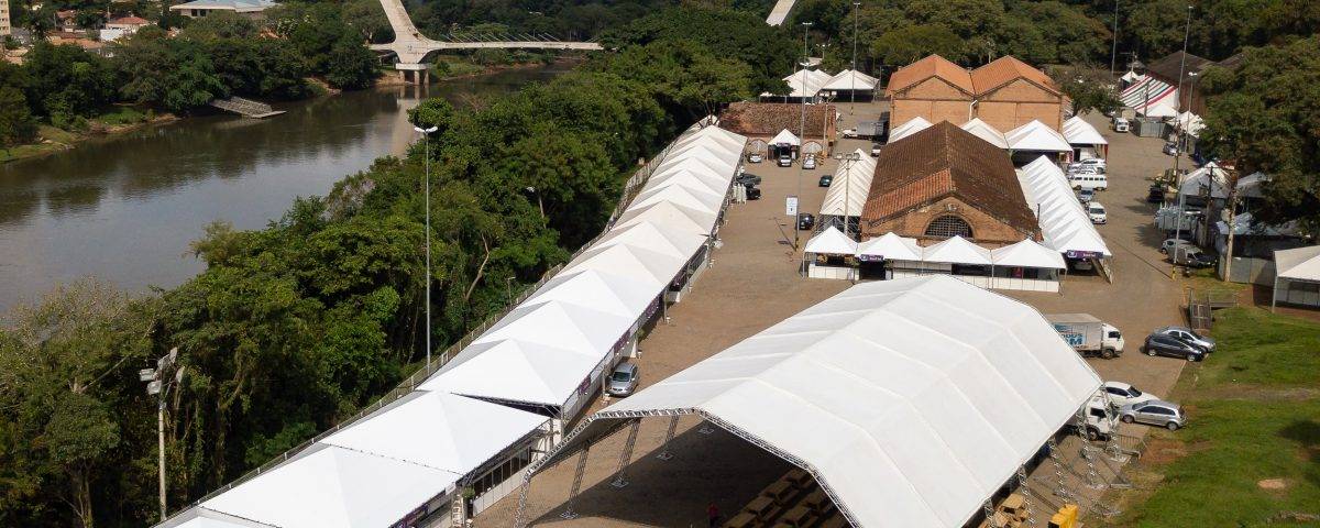 Foto com drone mostra toda a estrutura da 36ª Festa das Nações, No Engenho Central, em Piracicaba (FotoPerigo)